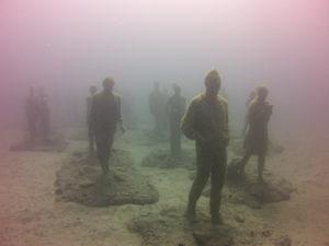 Unterwasser-Statuen