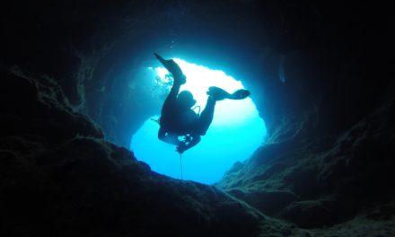 Höhlentauchen – Tauchen in der Dunkelheit